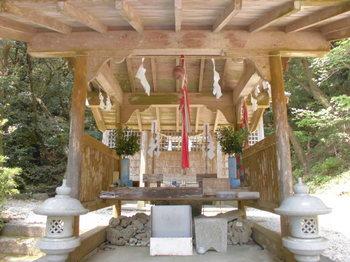 都農町 瀧神社 ご拝殿.JPG
