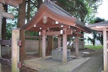 高千穂町4 落立神社(おちだちじんじゃ)手水舎.jpg