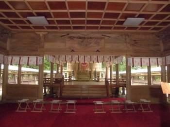 高鍋町11 舞鶴神社 お社内.jpg