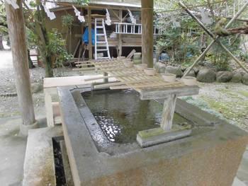 高鍋町5 舞鶴神社 御手洗.jpg